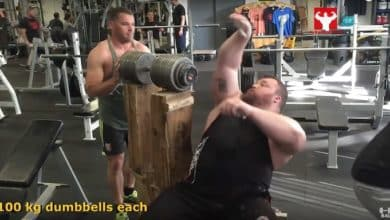 Eddy Hall drückt 200 Kg