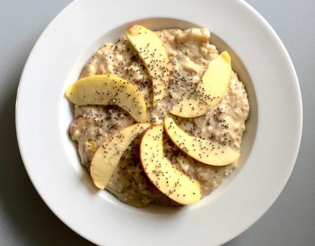 Peanut-Porridge mit Apfel