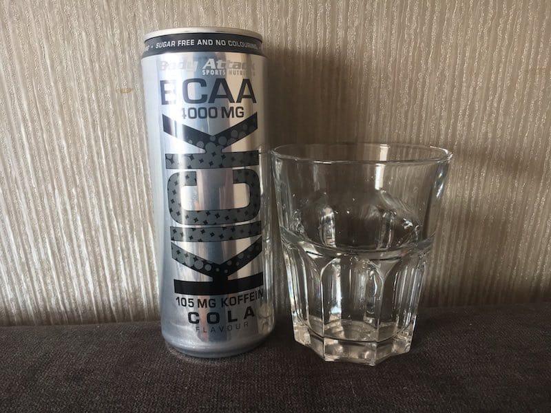 Der BCAA KICK Cola Geschmack