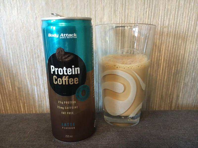 Protein Coffee Geschmack Latte - Der Protein Coffee von Body Attack im Test - wie schmeckt er?