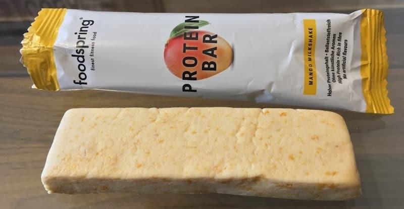 Foodspring-Protein-Bar-Mango-Milkshake